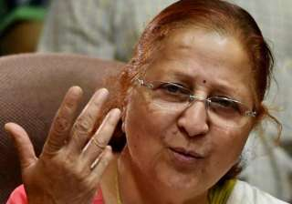 lok sabha speaker sumitra mahajan offers prayers...