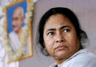 mamata keeps all political options open - India TV