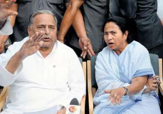 mamata s emissary meets mulayam says both are...