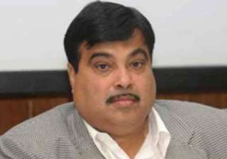 nitin gadkari jung hold talks on yamuna cleaning...