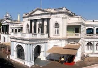 tn assembly wants india to boycott commonwealth...