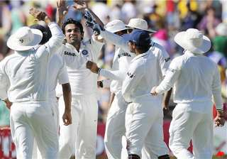 australia 50 3 leads india by 382 - India TV