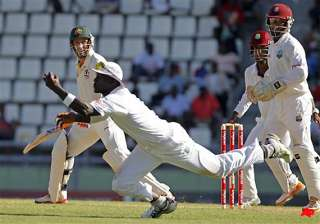 australia on 212 7 in 3rd test against west...