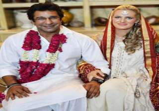 exclusive pic of wasim akram s wedding with...