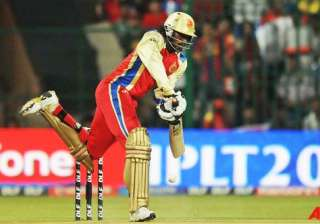 gayle in row with tv crew - India TV