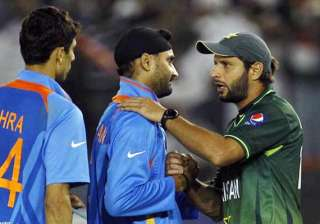 harbhajan hits out at afridi for his comments on...