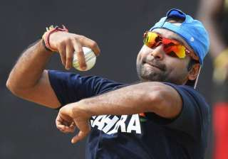 i always go for wickets not for restricting...