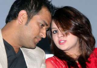 dhoni to be a father next month - India TV