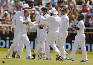 south africa restrict west indies to 172 4 at tea...