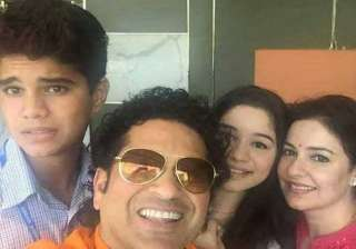 sachin tendulkar makes instagram debut gets 32k...