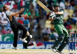pakistan suffers back to back losses to start nz...