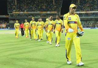 ipl 8 dhoni praises bowlers and fielders for...