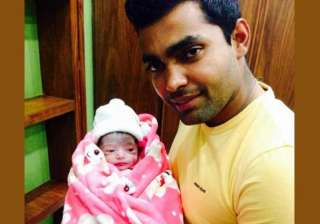 umar akmal amna blessed with a baby girl - India...