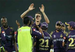 ipl 8 kkr bowlers restrict dd to 146/8 - India TV