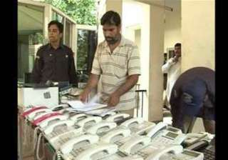 lahore police raids bookie seizes crores of...
