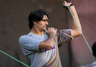 irfan not playing tests focusing on 15 world cup...
