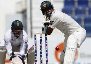 manzoor century propels pakistan to 263 3 and...