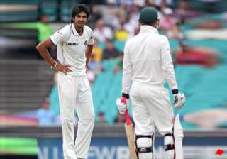 now ishant reportedly shows middle finger to fans...