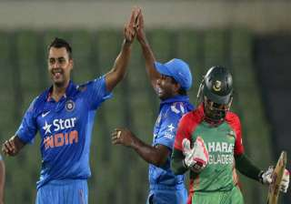 binny s record 6/4 helps india clinch odi series...