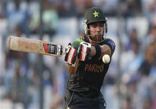 world t20 pakistan keep hopes alive with 16 run...