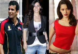 zaheer khan splits with isha spotted with vj...