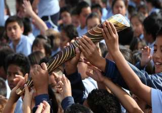 commonwealth games queen s baton relay to come to...