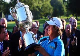 dufner holds off furyk to win pga championship -...