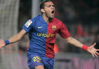 alves wants to stay at barcelona despite no offer...