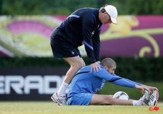 benzema looking to find top form at euro 2012 -...