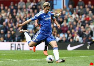 chelsea scores late at villa to keep cl hope...