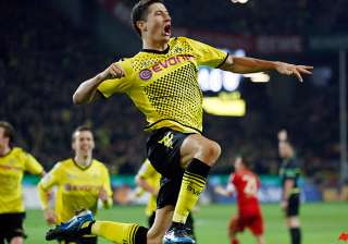 dortmund beats bayern to go clear in bundesliga -...