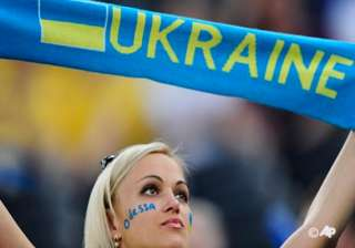 england looks to end ukraine s euro 2012 party -...