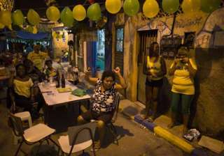 fifa world cup brazilians jam in front of tvs for...