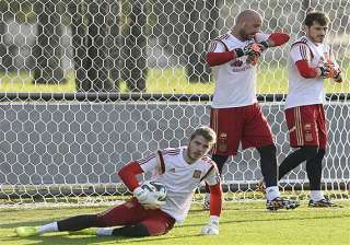 fifa world cup spain s de gea sidelined by leg...