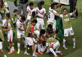 fifa world cup costa rica advances with 1 0 win...