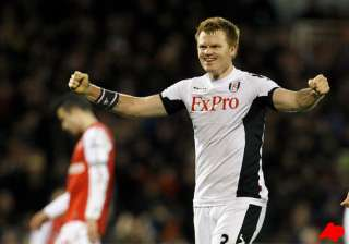 fulham beats 10 man arsenal 2 1 with late goals -...