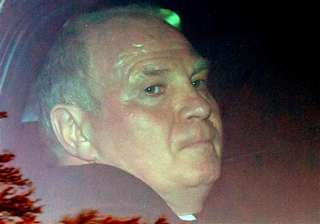 hoeness accepts conviction quits as bayern boss -...