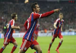bayern routs porto 6 1 to reach champions league...