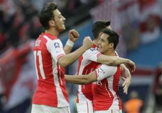arsenal returns to fa cup final with 2 1 win over...