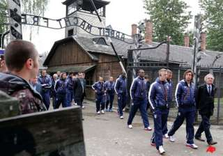 italy netherlands pay solemn visit to auschwitz -...