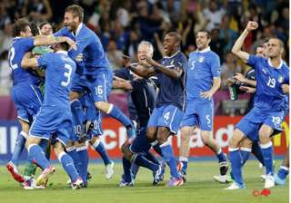 italy beats england on penalties at euro 2012 -...