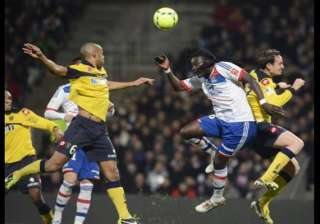 lyon comes from behind to win 3 1 at sochaux -...