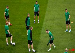 no room for niceties when italy meets ireland -...
