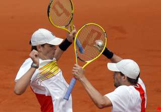 bryan brothers reach french open semis in doubles...