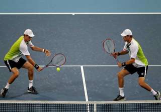 bryan twins reach doubles qf at french open -...