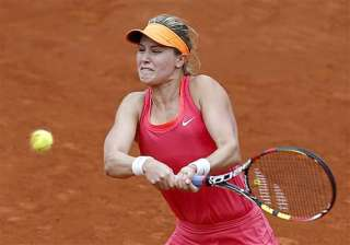 french open eugenie bouchard eases into women...