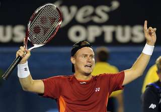 hewitt beats raonic to move into 4th round -...