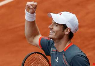 murray soars above boobirds for french open win -...