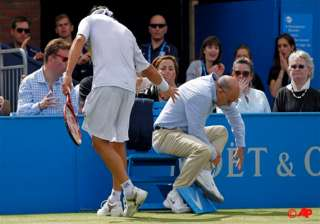 nalbandian disqualified after injuring line judge...