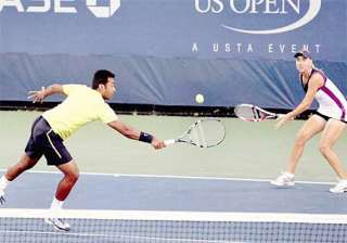 paes vesnina in australian open mixed doubles...